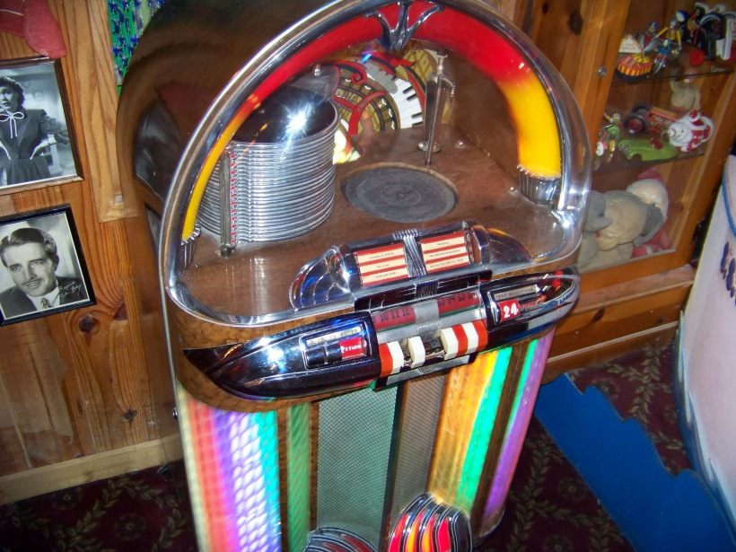 Jukebox Photo by Mike Hartley
