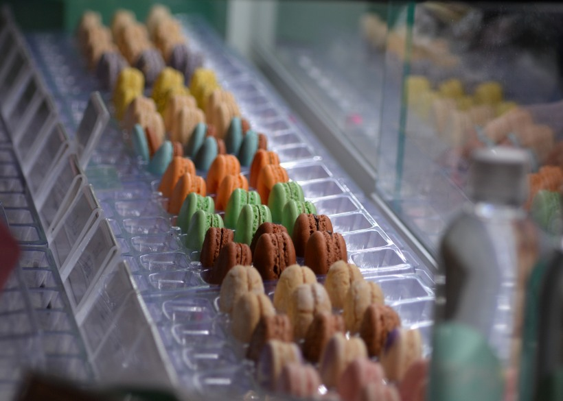 Colorful cookies at kiosk at the Mall.  Photo by Mike Hartley